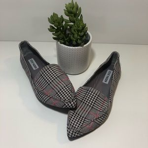 Steve Madden pleaded pointed flats/loafers